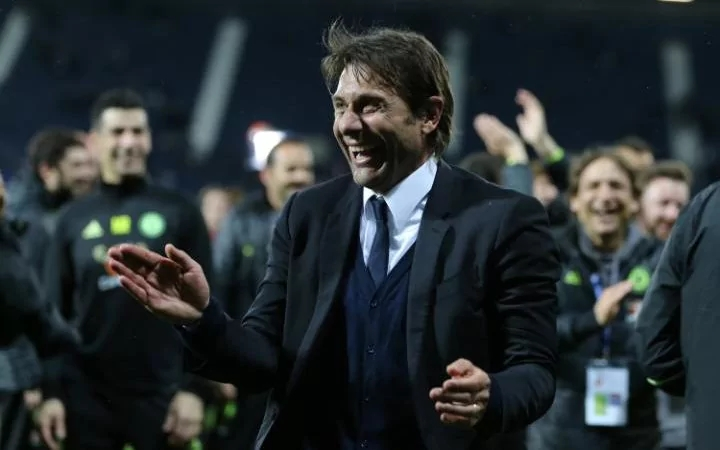 Conte leads Chelsea to title
