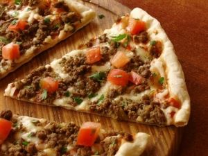 lamb kebab pizza